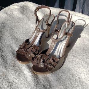 Fioni Brown Flower Heels